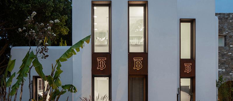 Burberry 于希腊小岛开展 Pop Up 商店